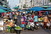 A busy street market in the morning in Hat Yai, Thailand