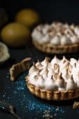 Lemon meringue pies (close-up)