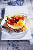Fruit tartlets with vanilla cream