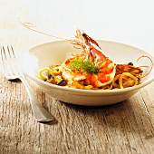 King prawns with noodles and chicory