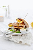 Chicken sandwich with lemon and mayonnaise