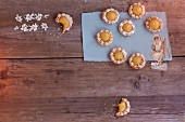 Mini macaroon tartlets with lemon curd