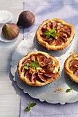 Fig and goat's cheese tartlets with caramelised walnuts