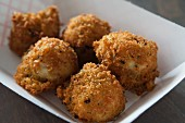 Fried macaroni and cheese balls