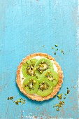 A tartlet with vanilla custard and kiwis