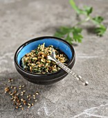 Sesame pesto with coriander seeds