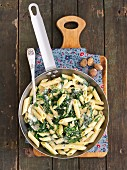 Penne with spinach and mascarpone