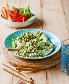 Guacamole with mint and peas