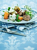 Meatballs with new potatoes, cauliflower and carrots