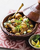 Chicken tagine with saffron and dates