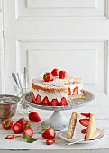 Cream cheese tart with strawberries