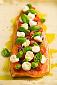 Alpine salamon with tomatoes, mozzarella and basil (ready-to-cook)