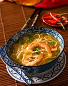 Noodle soup with prawns and vegetables (Asia)