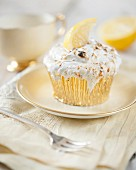 A gratinated lemon meringue cupcake