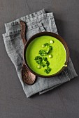 Pea soup with parsley