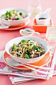 Fried noodles with beef, vegetables and ginger