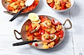 Fried prawns with peppers, garlic and pineapple