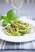 Spaghettis with pesto