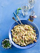 Tagliatelle with chicken, mushrooms and a creamy sauce