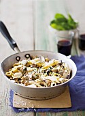 Pasta with mushrooms and herbs