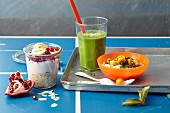 Detox breakfast: pomegranate muesli, a green smoothie, Basque grain porridge