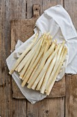 White asparagus on a cloth