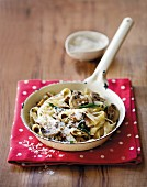 Tagliatelle with mushrooms and almonds
