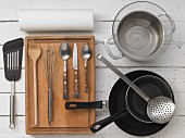 Kitchen utensils for making scrambled eggs