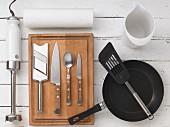 Kitchen utensils for making crostini