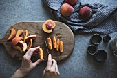 Slicing peaches