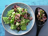 Romanesco salad with smoked ham and wholemeal croutons