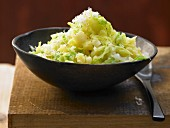 Mashed potatoes with pointed cabbage and horseradish