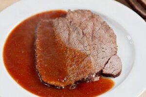 Rinderbraten mit Sauce