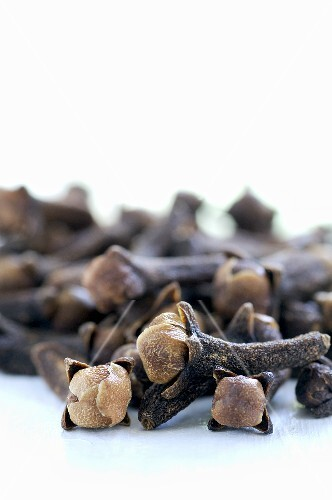 Cloves (close-up)