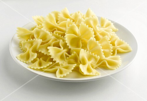 A plate of cooked farfalle