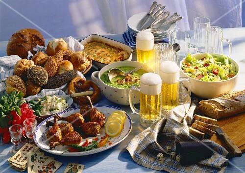 Bayerische Brotzeit – Bild kaufen – 913538 – StockFood