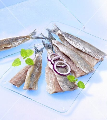 Herring fillets with onion rings