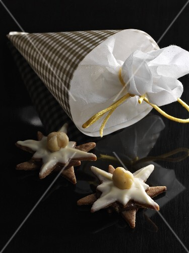 Nougat stars for gift giving