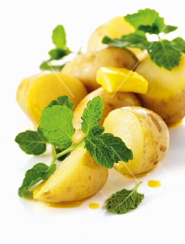 Boiled potatoes with butter and mint
