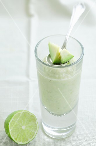 Avocado smoothie with limes