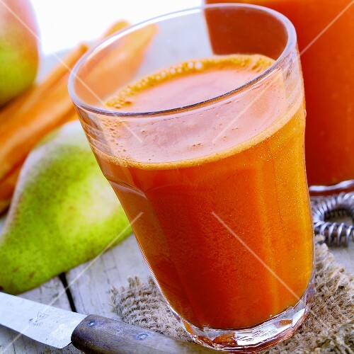 Carrot and pear smoothie
