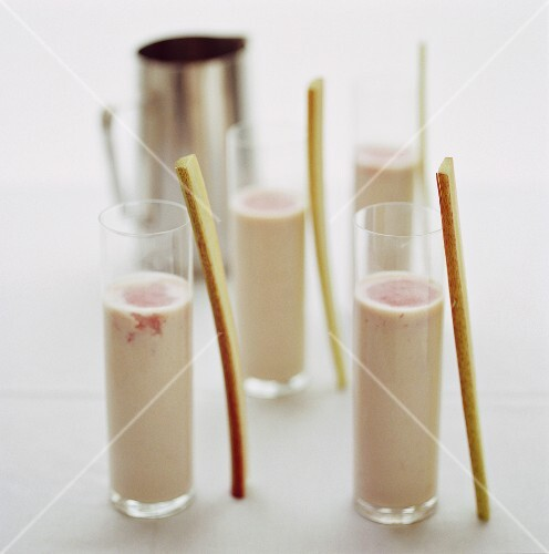 Rhubarb and almond lassis