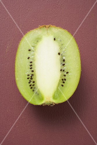 Half a kiwi fruit (longitudinal section)