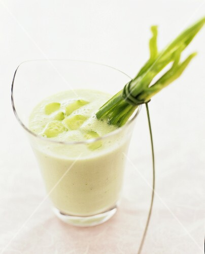 Yoghurt and cucumber dip with green pepper sticks