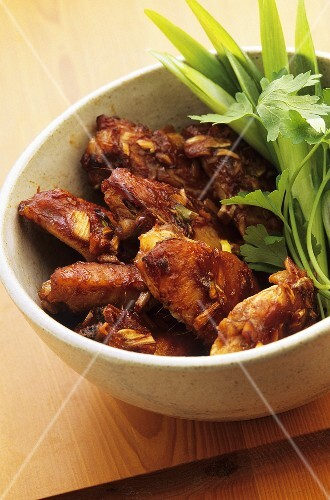 Chicken wings with spring onions