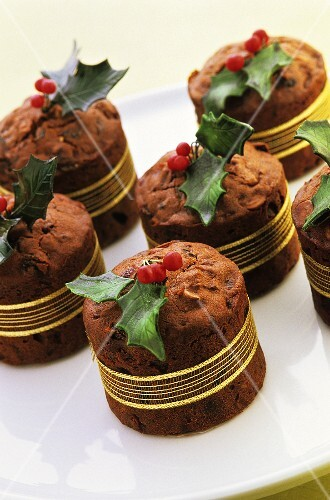 Chocolate cakes with marzipan holly