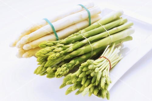 Asparagus, different varieties (white, green, wild)
