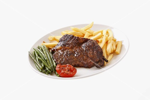 Steak with chips and green beans