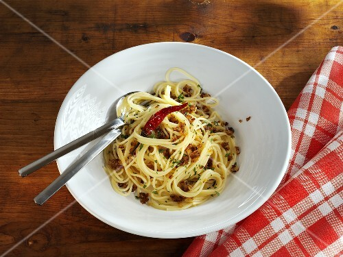 Spaghetti with chillies