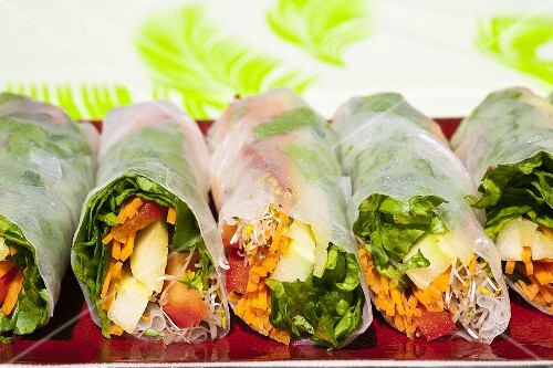 Rice paper rolls with vegetable filling